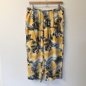 Hilo Hattie Hawaiian Print Cropped Pants - M